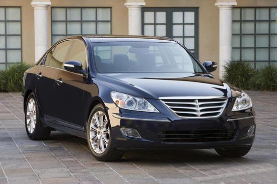 Detroit Auto Show: 2009 Hyundai Genesis Sedan To Challenge Luxury Market, With Or Without Peter Gabriel.